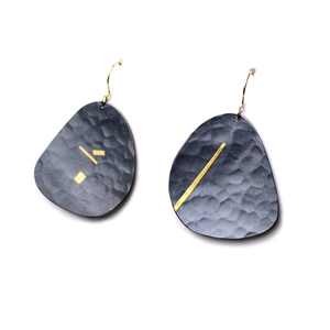 Murmur Pebble Earrings - L